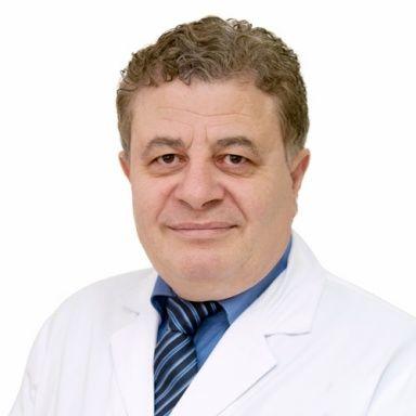 دكتور عيون أطفال ، طبيب عيون ، أمراض عيون الأطفال ، مستشفى دار العيون في الشارقة