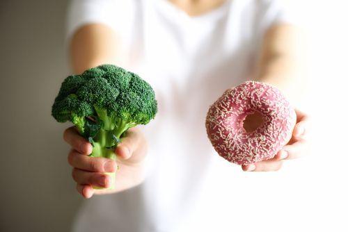 ٥ أسباب تجعلك لا تفوت وجبة الافطار أبداً ، السمنة ، خسارة الوزن ، وجبة الفطور
