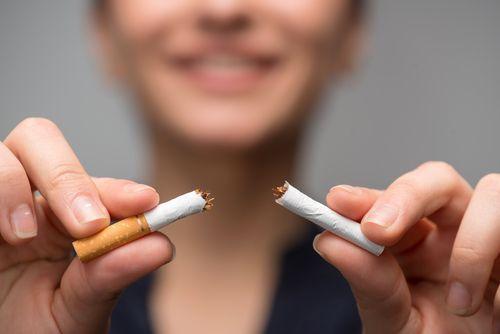 ٢٠٢٠ عام جديد خالي من الأمراض ، التوقف عن التدخين